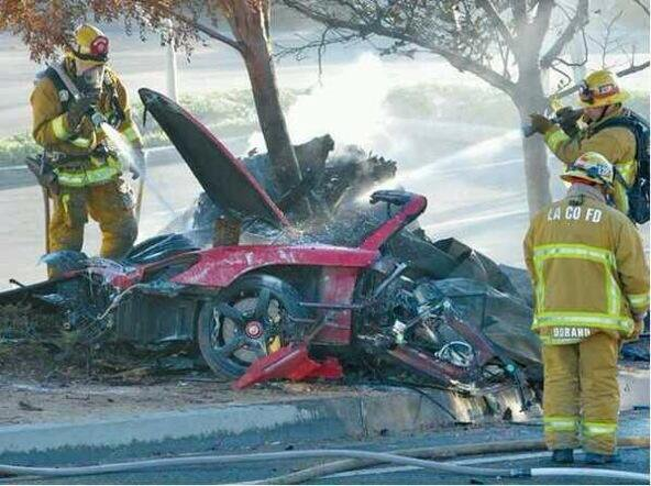Le héros de Fast and Furious , Paul Walker, se tue en voiture (Hors-Sujet 32)