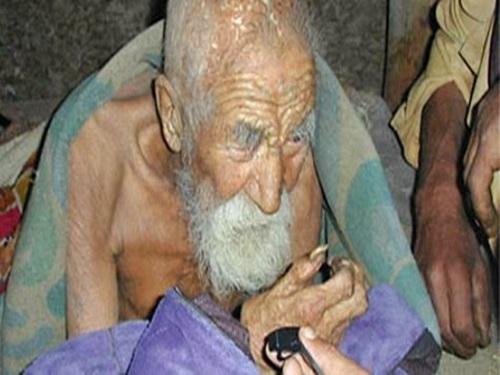 Un indien affirme être âgé de 179 ans !