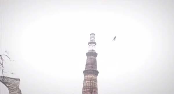 Un homme volant filmé en Inde