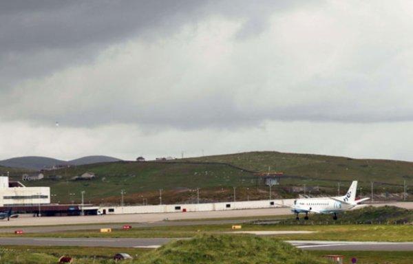 Le bras d'un pilote d'avion tombe en plein vol (Hors-Sujet 48)