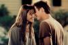 Elle lui a appris à vivre. Il lui a appris à aimer.