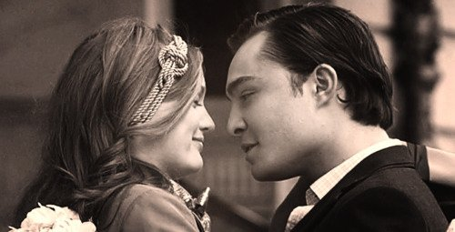L'amour est comme une blessure à la tête. Ça donne le vertige, on croit qu'on va mourir mais on finit par guérir... en principe.  ♥