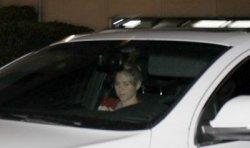 Shakira quittant la clinique « Teknon » à Barcelone – Photos
