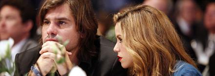 Antonio De La Rua poursuit Shakira en justice