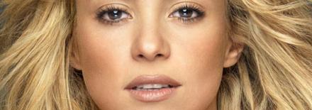 Shakira parmis les 50 femmes les plus recherchées sur Internet en 2012