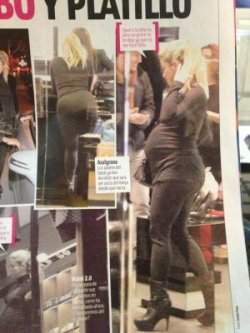 Shakira fait du shopping à Barcelone – Photos