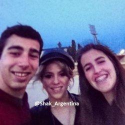 Shakira avec des fans à Barcelone – Photo