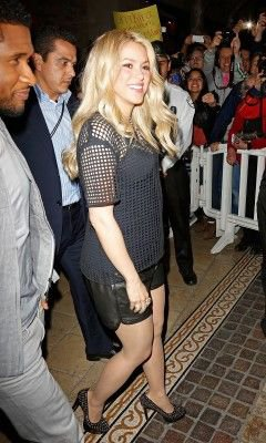 Shakira arrive au « Grove » – Los Angeles – Photos
