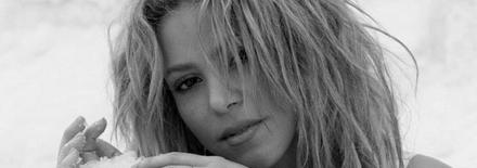 Shakira apporte son soutien à Nelson Mandela