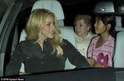 Shakira au restaurant avec sa famille – Photos et vidéo