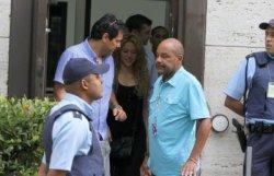 Shakira quitte le consulat des Etats-Unis à Rio – Photos