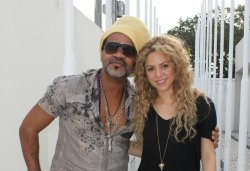 Shakira en studio d'enregistrement avec Carlinhos Brown !