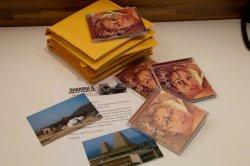 Des cds dédicacés par Shakira !