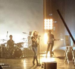 Nouvelle photo de Shakira en répétitions !