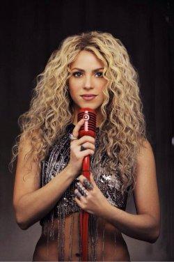 Photos et Vidéos du nouveau clip et pochette de « Shakira » !