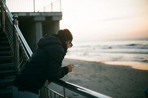 Jurer, maudire et cracher sur cette mémoire qui enregistre tout et vous repasse ensuite, pendant des jours et des nuits, ce que vous tentez de fuir.