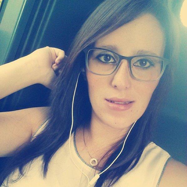 * Sylvie ~ 21 Ans ~ Namur { 5003 } ~ Arnaud ♥