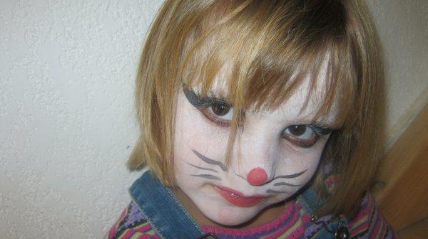 ma fille et son magnifique maquillage je taime