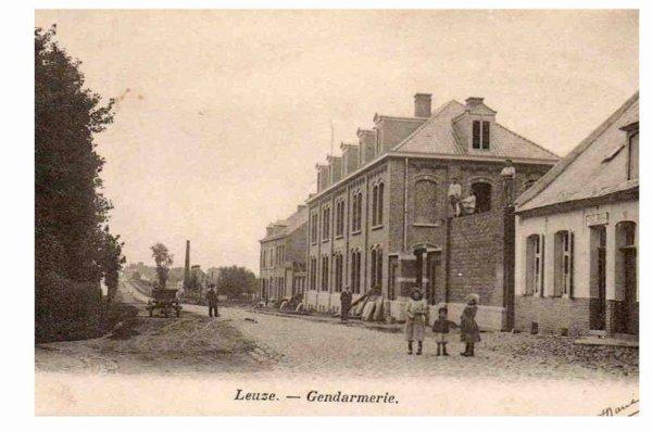 LEUZE - La Gendarmerie lors de sa construction