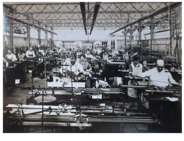 LEUZE bonneterie dujardin machines à tricoter