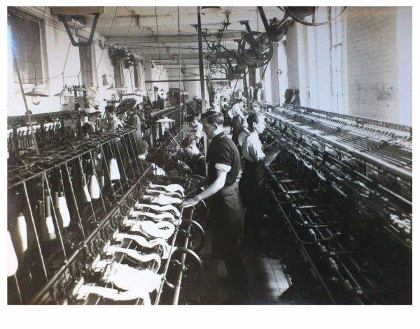 LEUZE bonneterie dujardin salle des métiers cotton
