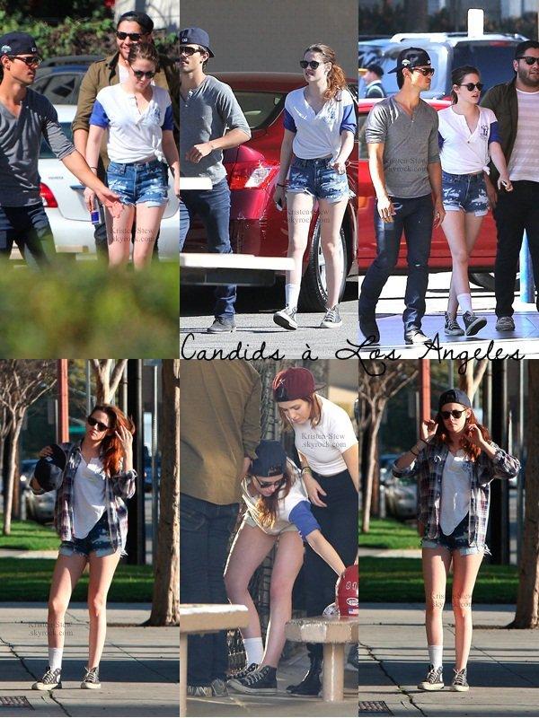 12.03.2013 /  Kristen a été vu en compagnie de son ancien co-star Taylor Lautner ainsi qu'avec des amis dans les rues de Los Angeles. Ils ont fait une partie de baseball tous ensemble. Kristen et Taylor ont également posés avec des fans. J'adore la tenue de Kristen, elle est magnifique. Oui elle porte la chemise à carreaux de Robert Pattinson et elle porte une seul chaussette pour cacher sa blessure à la cheville.