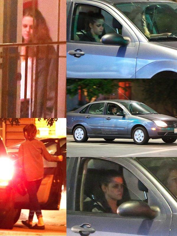 13.05.2013 / C'est tard le soir que notre Kristen a été vu en compagnie de son amie Suzie en voiture dans Los Feliz à Los Angeles. Les deux filles partaient rendre visite à une amie. Notre Kristen a l'air très fatigué, aurait-elle fait trop la fête pour l'anniversaire de Robert?