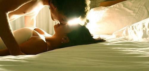 Passer des heures à te caresser ! Ton corps, Ton parfum, Ta chaleur, j'en aurai jamais assez ♥