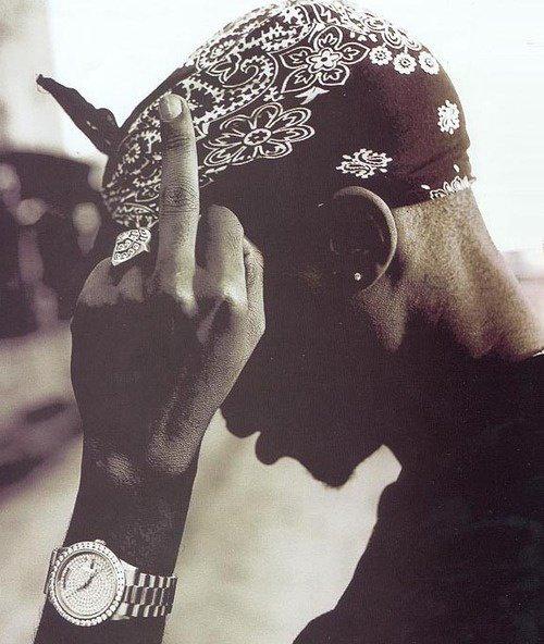 ♠ Lève ton doigt au gens qui te jugerons ♠