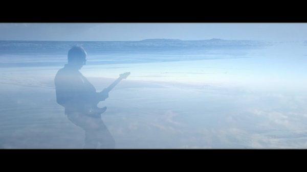 Bonjour, je suis heureux de vous annoncer  la sortie de deux nouveaux singles : «Quand minuit sonne », et « Quelques notes pour lui dire». Et pour fêter ça, la sortie d'un nouveau Clip Vidéo digital single du titre « Quand minuit sonne », disponible sur toutes les plateformes numériques... les Clips vidéo « Quand minuit sonne », « Il y a des choses en elle », « Quelques heures dans ses rêves », sont diffusés sur la chaîne Canal Bleu WIMP -- CA Channel 25.3 à MIAMI aux ETATS-UNIS. http://canal-bleu.tv/