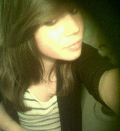 ~> Ludivinne;15 ans; Celibataiire;♥.