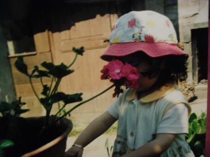 """Souvenirs .. """"Moi Quand J'étais Petite """" ... C'est fou Comment On Grandit Vite !"""