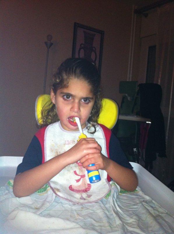 le brossage des dents, toute seule comme une grande !