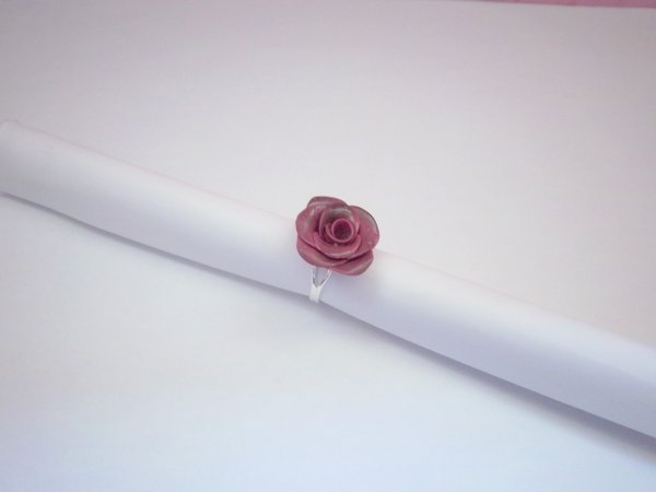 Bague rose vieillie