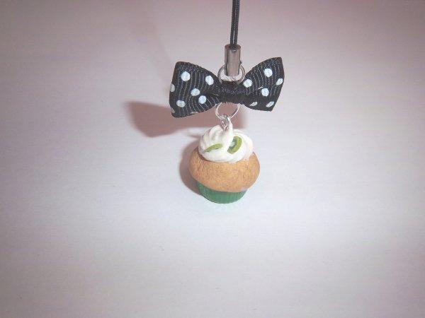 Strap cupcake kiwi