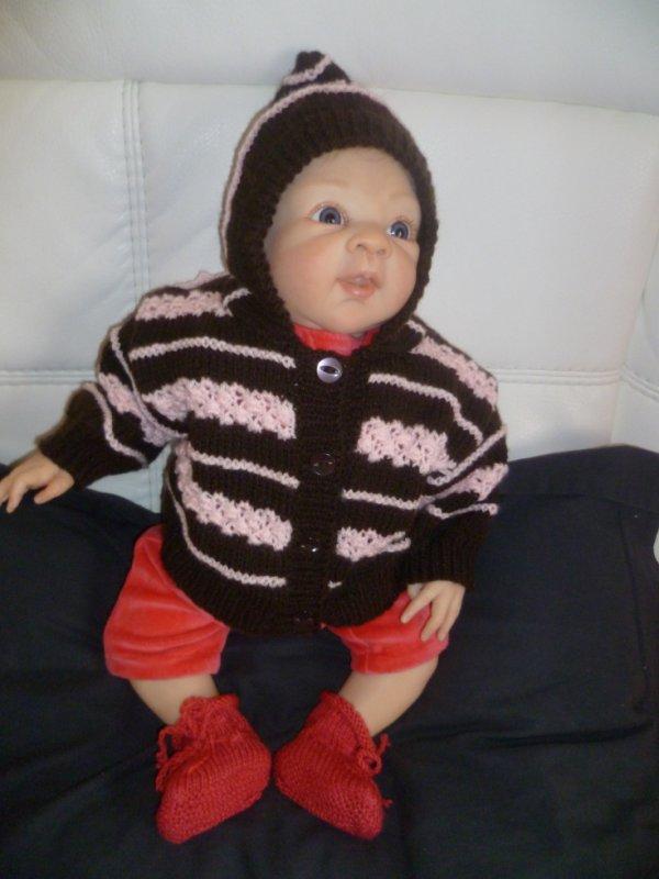 Petit manteau tricoté par Dalila