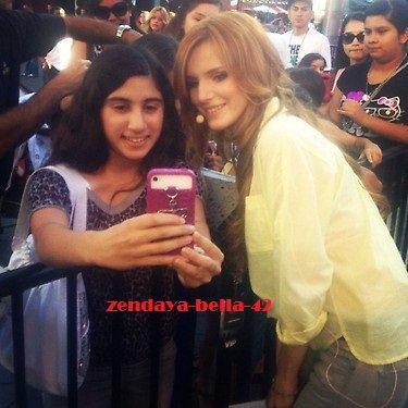 Bella Thorne rencontre ses fans . !! Vos avis ??