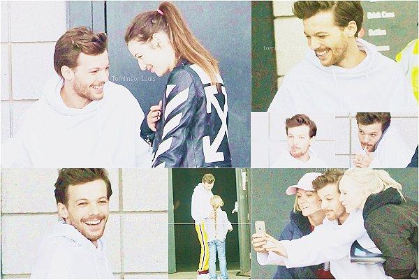 CANDID Le 20 mai, Louis a été vu sur l'un de ses sets de son futur clip vidéo à Doncaster. Il était avec sa petite-amie Eleanor Calder, des amis et des fans.