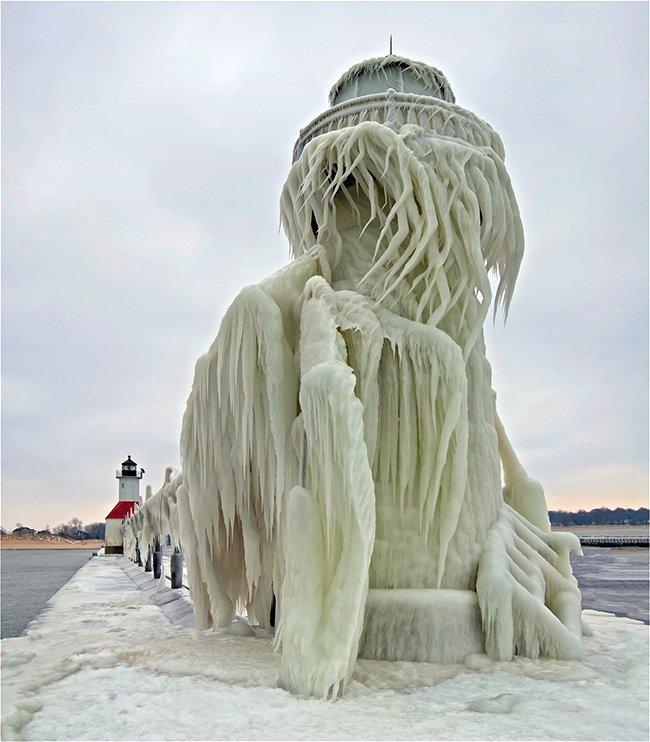Le phare de Saint Joseph sur la jetée Nord au Lac Michigan