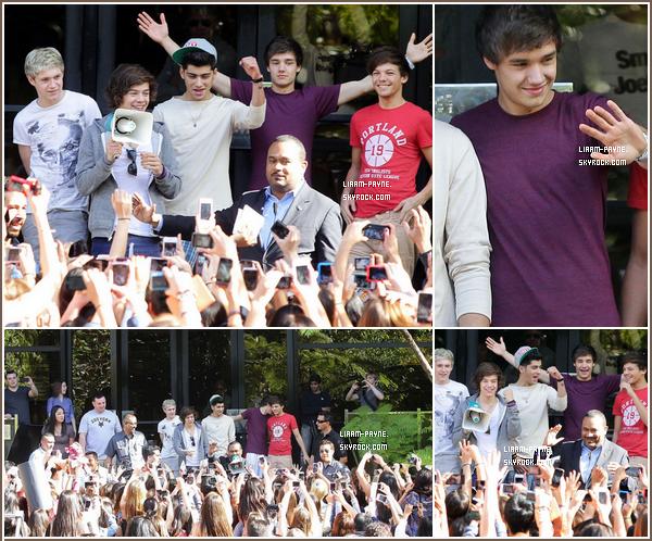30 Janiver 2012 : Les One Directions sont à Los Angeles pour un épisode de la série iCarly.