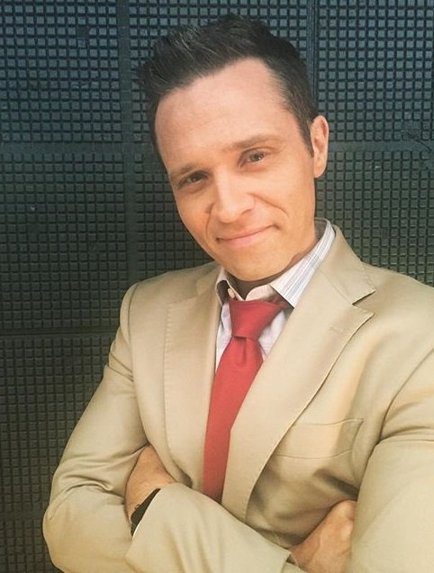 Seamus Dever as Kevin Ryan