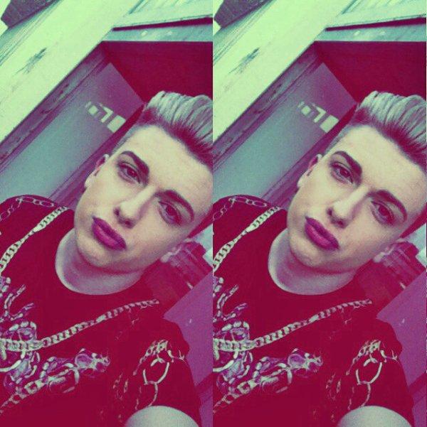 .• Quentin - 18ans - Caen(14) - Célibataire •.