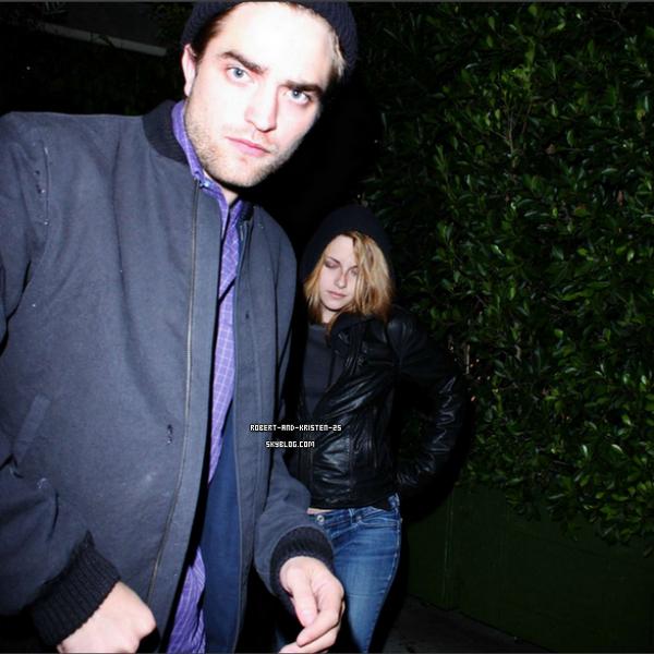 .   04.10. 2010 /  Robsten étaient au restaurant dans L.A  05.10.2010 / Robsten ont été vu dans L.A   .