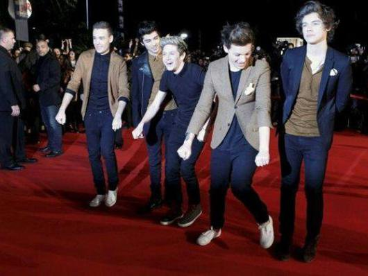 One Direction NMA  2013 <3