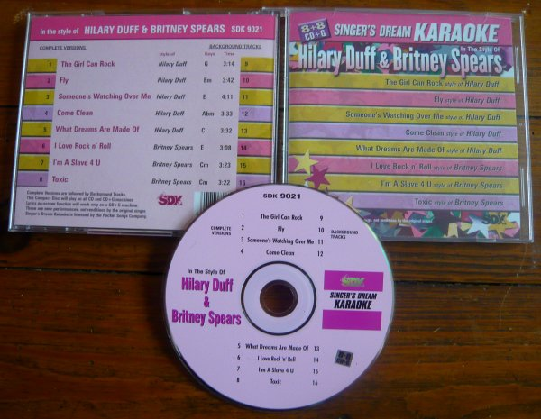 CD : In The Style Of Hilary Duff & Britney Spears : Singer's Dream Karaoke