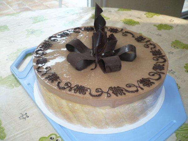 Un autre decor de la charlotte chocolat toutes mes - Decoration en chocolat trucs et astuces ...