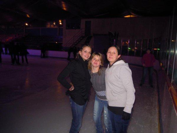 lisa a la patinoire d avignon avec ses cousines