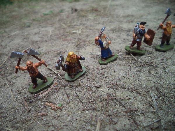 une petite armée de nains