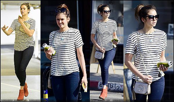 ► 3 Juin 2015 - Out and about | Los Angeles Nina a été vue se baladant dans les rues de Los Angeles vêtue d'une marinière et d'un slim. J'accorde vraiment un jolie top à la belle.