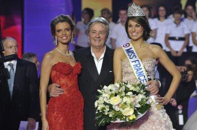 miss france 2011 et le president du jury et sylvie tellier
